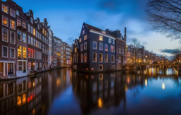 Картинка вода, свет, город, огни, дома, вечер, Амстердам, канал, Нидерланды