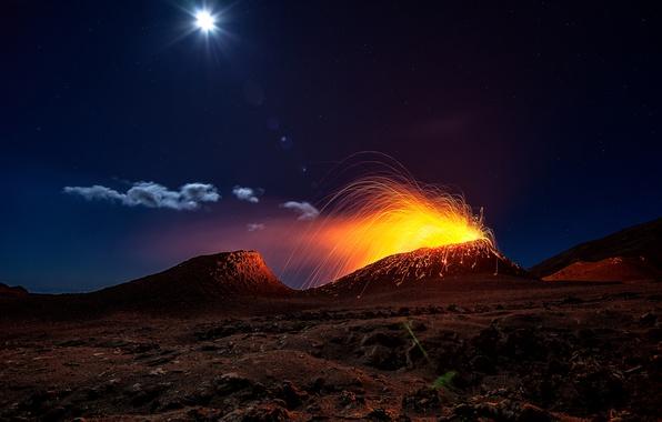 Картинка свет, ночь, огонь, луна, вулкан