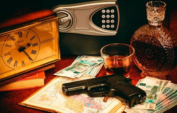 Картинка пистолет, стол, часы, книги, бутылка, деньги, патрон, стопка, атлас, купюры, рубли, спиртное