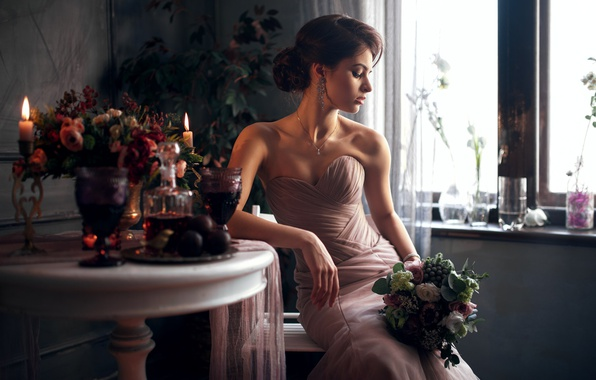 Картинка девушка, цветы, задумчивость, лицо, поза, портрет, букет, платье, брюнетка, прическа, light, красивая, прелесть, плечи, малышка, …