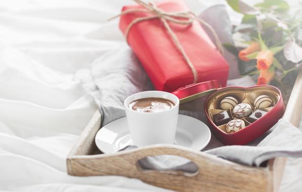 Картинка розы, конфеты, love, heart, romantic, chocolate, gift, coffee, breakfast, roses, valentine`s day