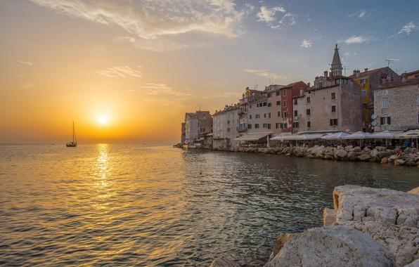 Картинка море, закат, побережье, здания, дома, яхта, Хорватия, Istria, Croatia, Адриатическое море, Ровинь, Rovinj, Adriatic Sea, …