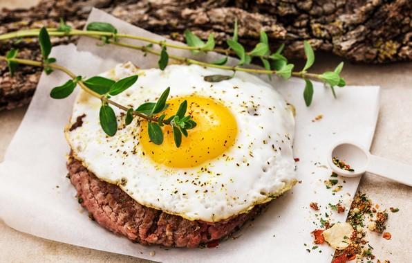 Картинка яйцо, мясо, яичница, специи