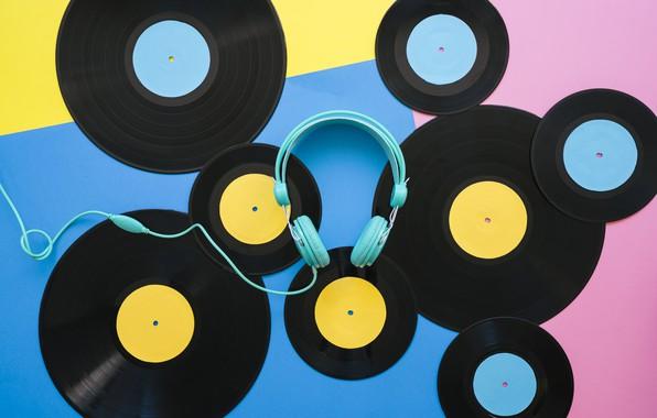 Фото обои желтый, наушники, винил, голубой, пластинки, виниловые пластинки