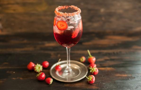 Картинка ягоды, бокал, лёд, земляника, напиток