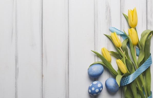 Картинка праздник, букет, весна, лента, тюльпаны, wood, blue, tulips, декор, Easter, eggs