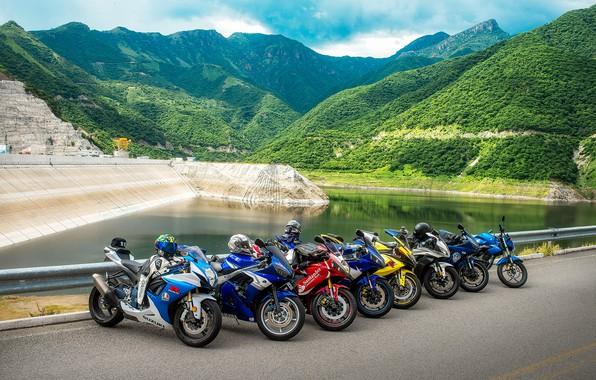 Картинка дорога, горы, природа, мотоциклы, водоём, байки