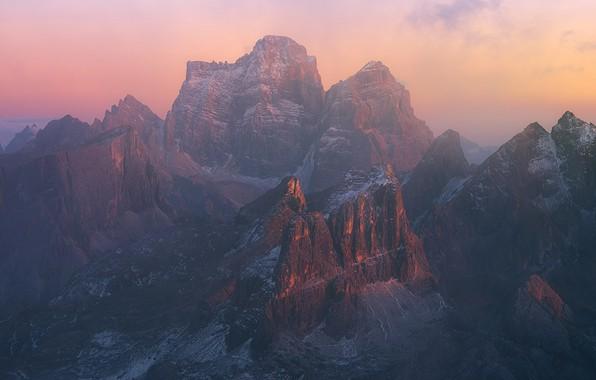 Картинка снег, горы, скалы, дымка