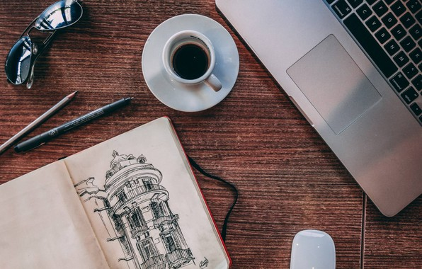 Картинка стол, кофе, очки, ручка, блокнот, карандаш, ноутбук