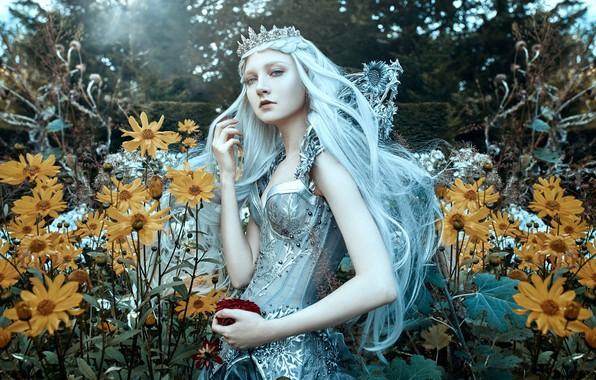 Картинка девушка, цветы, стиль, настроение, корона, диадема, принцесса, длинные волосы, голубые волосы, Maria Amanda, Bella Kotak, …