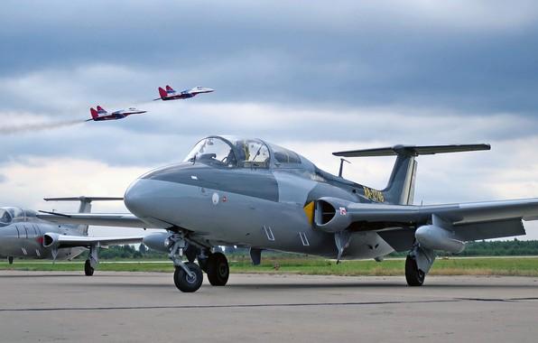 Картинка Aero, L-29, Delfin, Является первым чехословацким серийным реактивным, чехословацкий учебно-тренировочный самолёт, Чехословакия Aero Vodochody