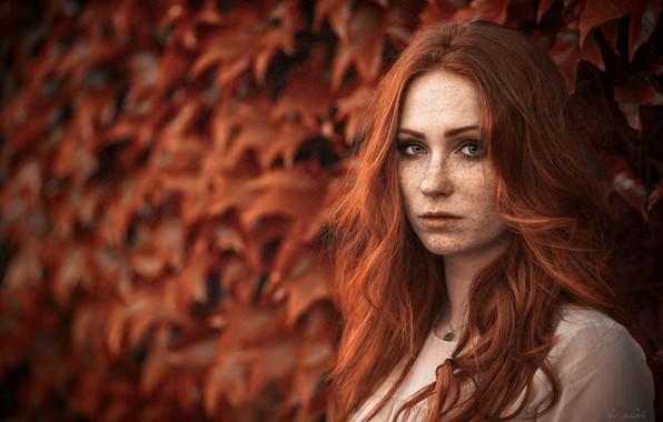 Рыжая конапатая блондинка