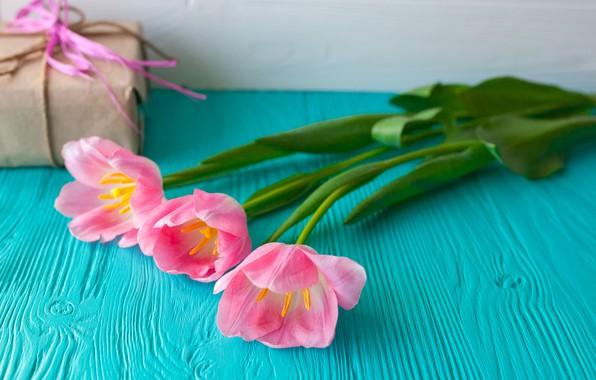 Картинка цветы, подарок, тюльпаны, розовые, wood, pink, flowers, romantic, hearts, tulips, gift, spring