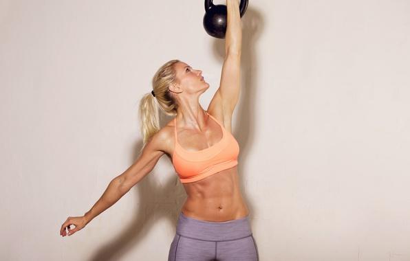 Картинка поза, пирсинг, фитнес, пресс, гиря, тренировка, воркаут, workout, fitness, Training, abs, CrossFit, Кроссфит