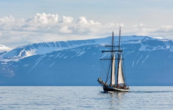 Картинка море, небо, облака, горы, парусник, Исландия, Iceland, Húsavik