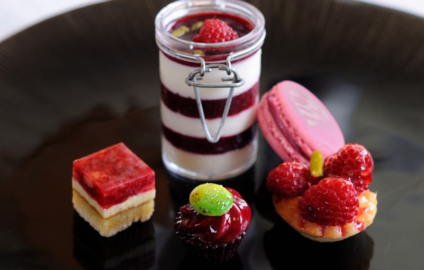 Картинка ягоды, малина, клубника, пирожное, cake, десерт, сладкое, sweet, strawberry, dessert, berries, raspberry, macaron, макарун, панна-котта, …