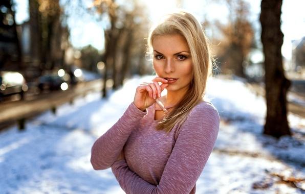 Картинка зима, взгляд, девушка, свет, фотограф, боке, Theresa, Miro Hofmann