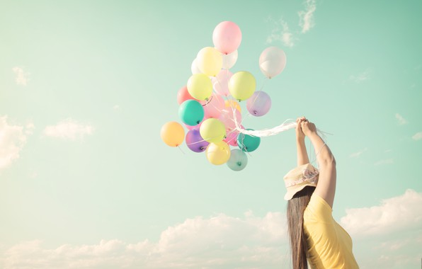 Картинка море, пляж, лето, девушка, солнце, счастье, воздушные шары, отдых, colorful, girl, summer, sunshine, happy, beach, …