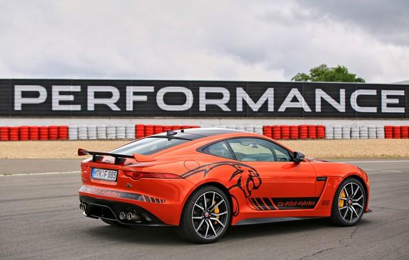Картинка небо, асфальт, оранжевый, трасса, Jaguar, ограждение, 2016, F-Type SVR Ring-Cat, 575 л.с.