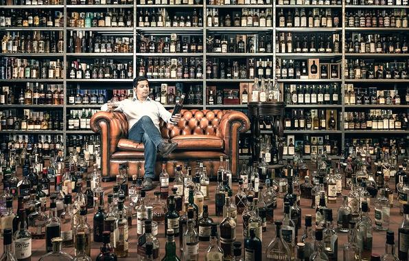 Фото обои бутылки, дегустатор, алкоголь, мужчина