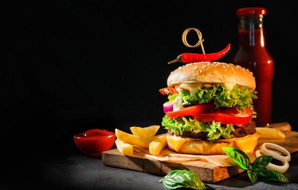 Картинка еда, гамбургер, кетчуп, картофель фри, разделочная доска
