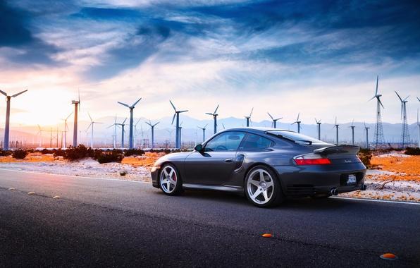 Фото обои Porsche, фотограф, 996 Turbo, пустыня, дорога, диски, свет, Larry Chen, солнце