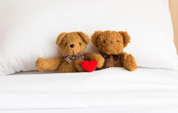 Картинка любовь, игрушка, сердце, медведь, мишка, пара, love, двое, bear, heart, romantic, teddy, bed, little, cute