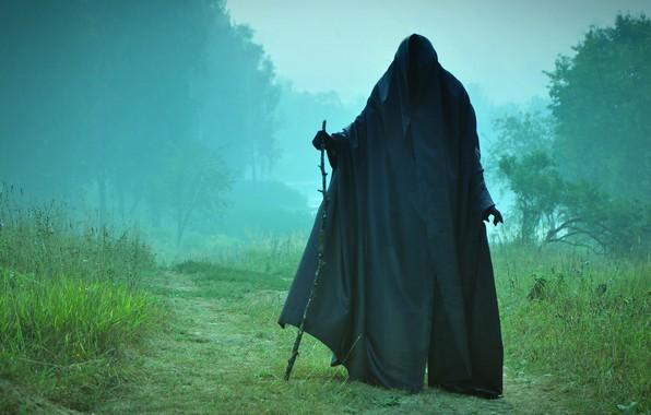 Картинка туман, смерть, встреча, посох, конец, черный плащ, на дороге, саван, потусторонний мир
