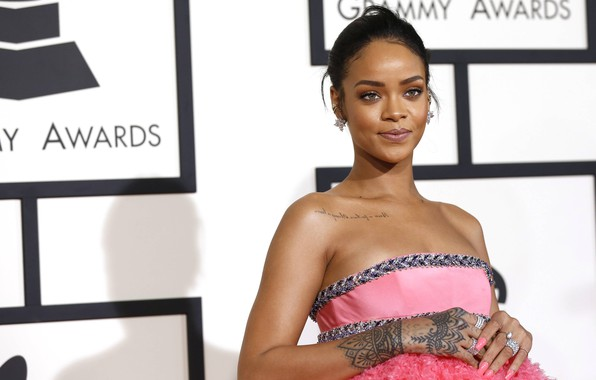 Картинка улыбка, певица, Rihanna, знаменитость, улыбается