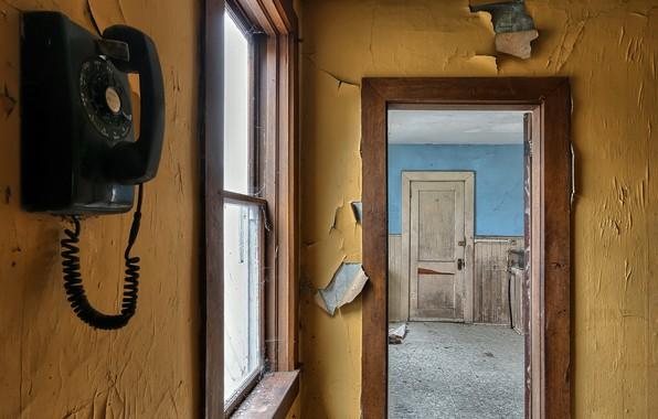Картинка дверь, окно, телефон