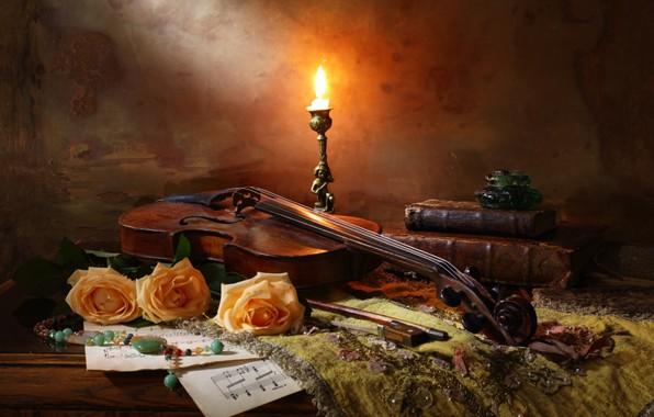 Картинка скрипка, книги, розы, свеча