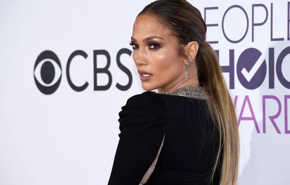 Картинка взгляд, поза, стена, макияж, актриса, певица, Jennifer Lopez, hair, Дженнифер Лопес, J.Lo, make up