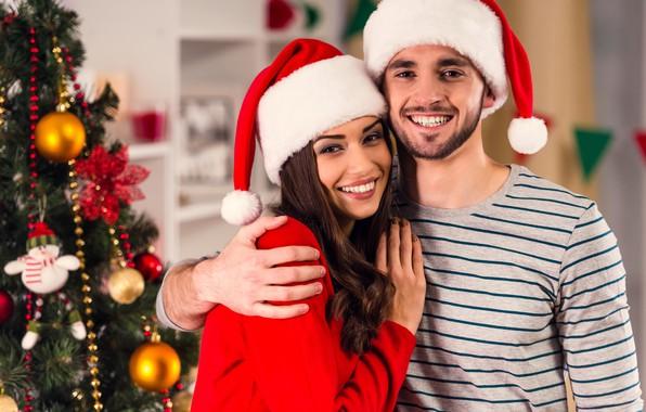 Картинка девушка, украшения, радость, счастье, улыбка, настроение, праздник, шапка, игрушки, новый год, рождество, макияж, платье, прическа, …