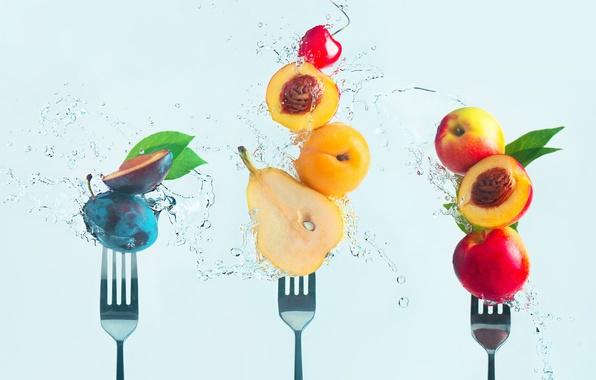 Картинка вишня, груша, фрукты, персики, вилки, слива, Making fruit salad
