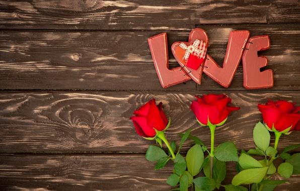 Картинка сердечки, red, love, heart, wood, romantic, Valentine's Day, gift, roses, красные розы