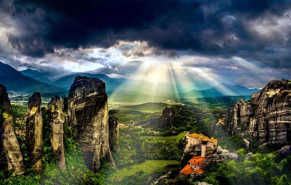 Картинка зелень, лето, небо, солнце, облака, лучи, свет, пейзаж, горы, тучи, природа, дом, камни, замок, скалы, …