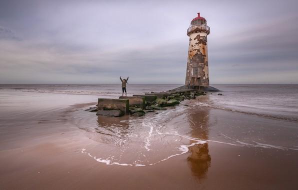Картинка море, берег, маяк, девочка