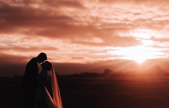 Картинка девушка, любовь, закат, семья, парень, влюбленные, двое, невеста, фата, жених