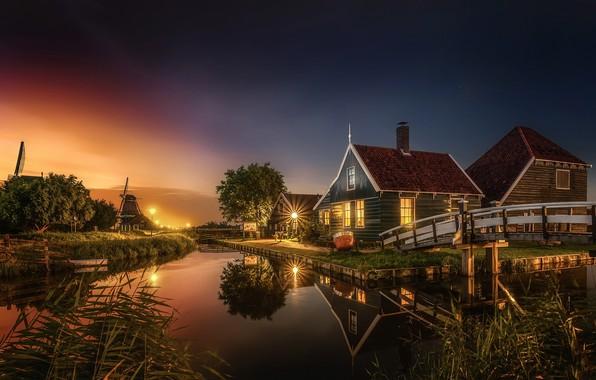 Картинка свет, город, вечер, канал, домики, Нидерланды, мостик