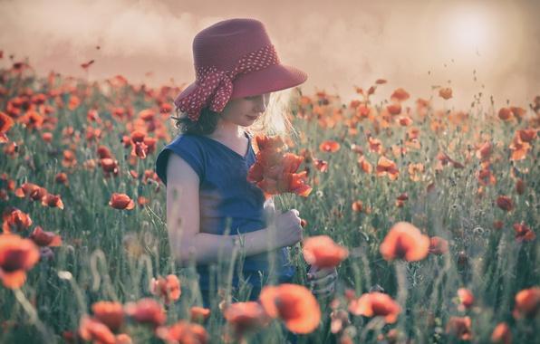 Картинка лето, солнце, цветы, настроение, маки, луг, девочка, шляпка, маковое поле