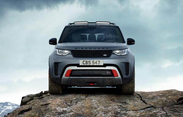 Картинка небо, облака, скала, серый, внедорожник, Land Rover, Discovery, 4x4, 2017, V8, SVX, 525 л.с.