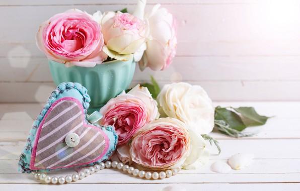 Картинка цветы, розы, букет, love, розовые, vintage, heart, wood, pink, flowers, romantic, roses, candle