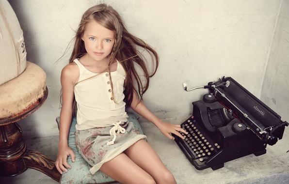 Фото обои пишущая машинка, kristina pimenova, Кристина Пименова, взгляд, девочка