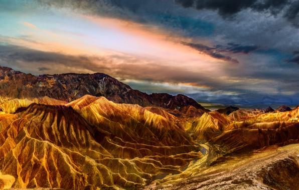 Картинка небо, цвета, облака, пейзаж, горы, яркий, тучи, природа, скалы, пустыня, жара, Калифорния, США, Америка, рельеф, …