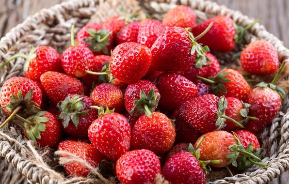 Фото обои клубника, fresh, wood, sweet, ягоды, berries, красные, спелая, strawberry