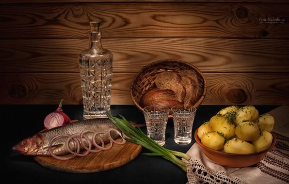 Картинка лук, хлеб, натюрморт, водка, графин, картофель, селедка