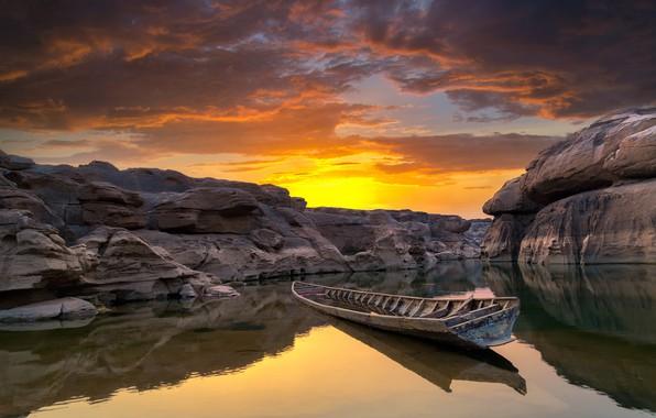 Картинка небо, облака, закат, камни, скалы, лодка, каньон, Таиланд, водоём, Ubon Ratchathani
