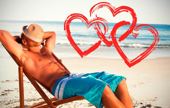 Картинка песок, море, пляж, небо, солнце, поза, шорты, шляпа, фигура, горизонт, сердечки, лежит, мужчина, парень, День …