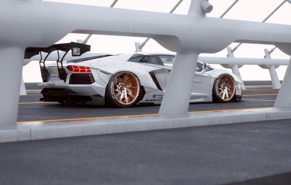 Фото обои Lamborghini, White, Aventador, Rear, Liberty, Walk
