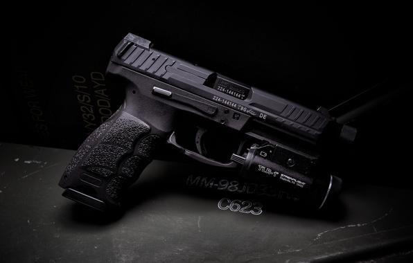 Фото обои пистолет, фонарик, HK VP9, Tactical
